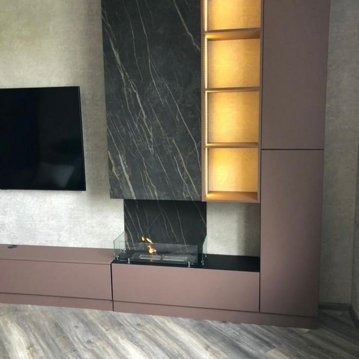 гостиная со встроенным биокамином для квартиры