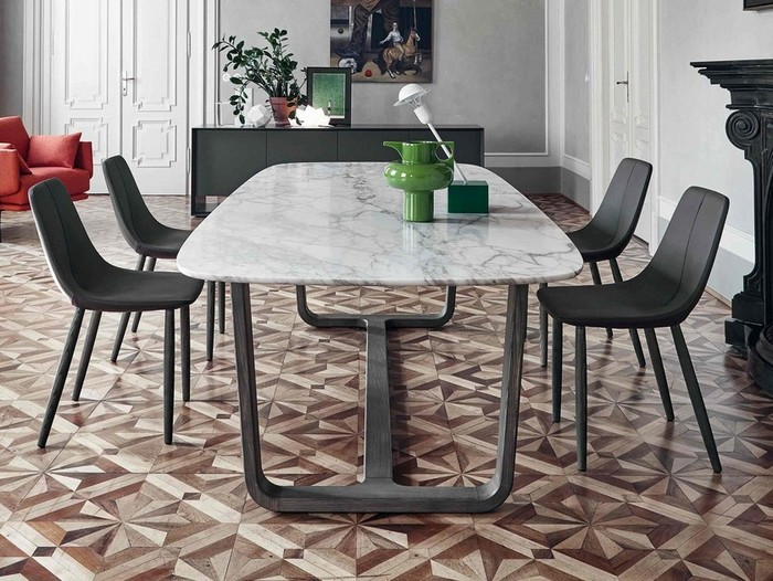 дизайнерский обеденный стол из мрамора