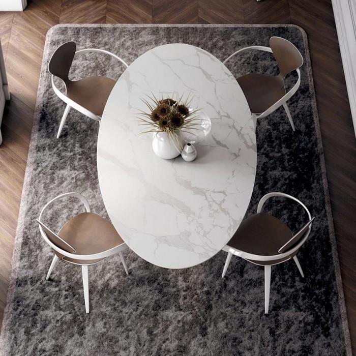 овальный стол из керамогранита для 4-х человек
