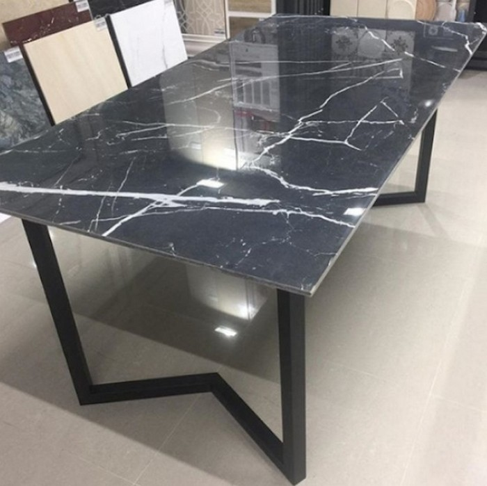 грубая копия итальянской модели стола