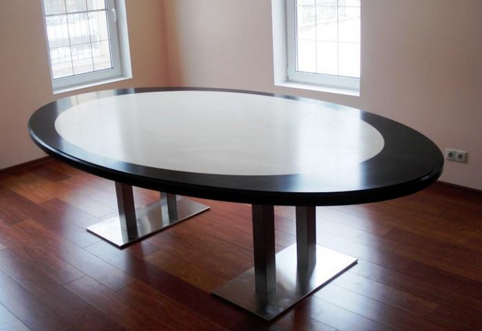 стол с овальной столешницей