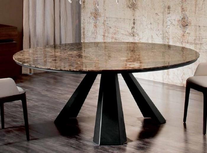 обеденный стол со столешницей из мрамора