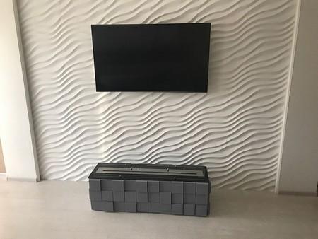 Телевизор над биокамином